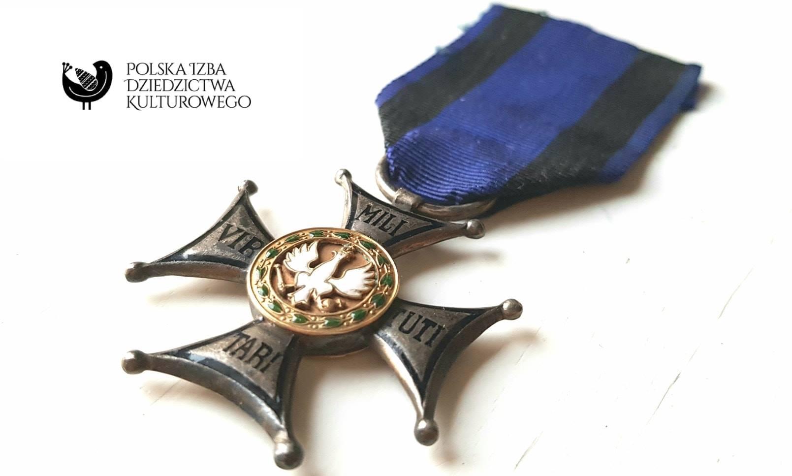 Krzyż V klasy Virtuti Militari.
